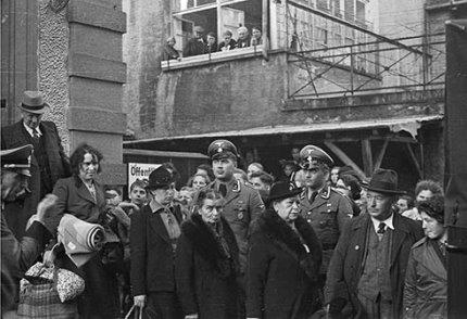 Lörracher Juden vor dem Abtransport